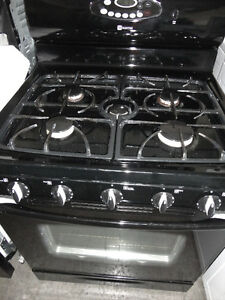 Maytag Gas Stove in Excellent Condition