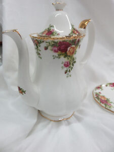 Old country roses - Royal Albert - cafetière