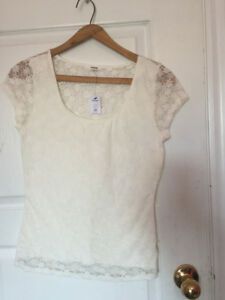 White lace scoop neck ballerina top