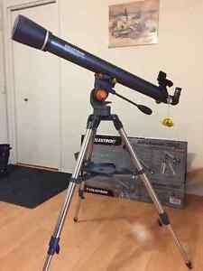 Téléscope Celestron AstroMaster 70mm AZ