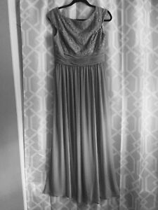 Beautiful Gown worn once Peterborough Peterborough Area image 1