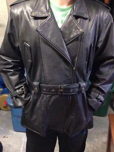 Manteau pour femme en cuir souple grandeur XL