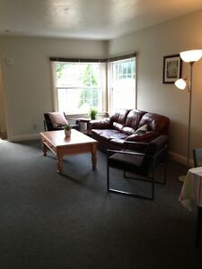 Cute House walk to Western in 7 min. close to UWO Female student London Ontario image 2