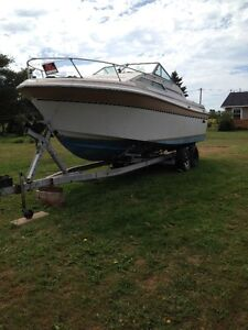27 Ft Cruiser / Speed Boat and trailer
