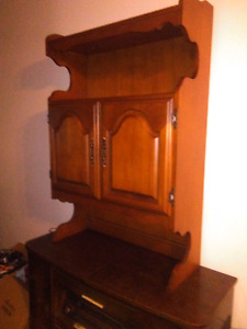 Antique liquor cabinet !