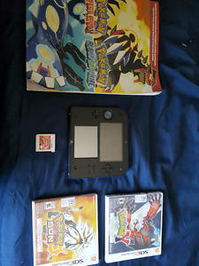 Nintendo 2DS with charger, stylus, SD and 3 pokemon games $140