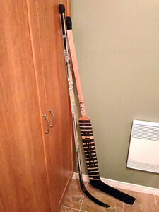 2 Bâtons de hockey junior 58 pouces (10$ chaque)