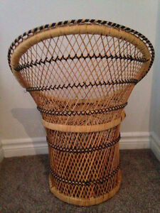 Small Wicker/Rattan Chair - Great for Kids and otherwise Kitchener / Waterloo Kitchener Area image 3