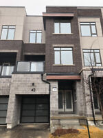 FOR RENT: 3+1 Beds, Modern Luxury Town Home in Vaughan