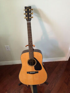 Yamaha DW 7 Acoustic Guitar