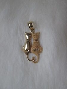 10K gold cat pendant
