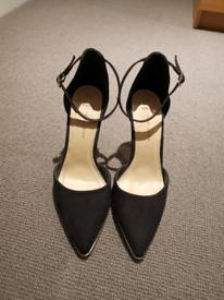 Womens New Look size 5 black heels - BRAND NEW!