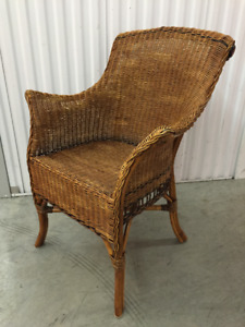 Gorgeous rattan dining chairs (4)