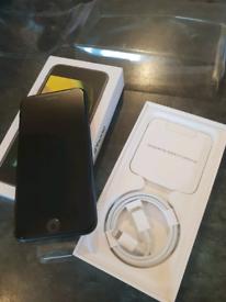 Apple iPhone 2020 Se 128gb black.