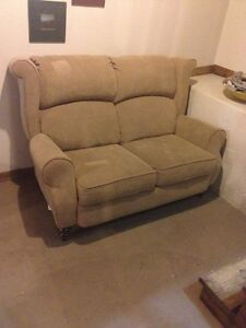 Fauteuil inclinable et causeuse