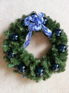 """17"""" wreath (comes with box)"""
