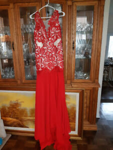 Beautiful red long Party/Wedding dress never worn size-Medium
