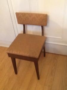 Chaises avec rangement