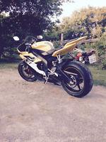 Like new 2006 Yamaha R6