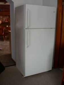 Very Clean Sears Kenmore Refrigerator For Sale