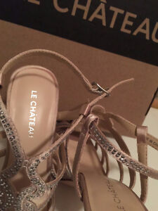 New never worn with original box le chateau shoes Kitchener / Waterloo Kitchener Area image 3