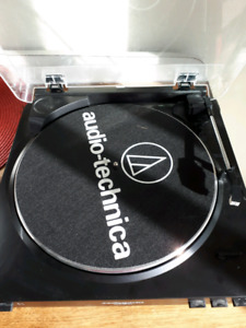 Audio Technica LP-60 turntable - doesn't work