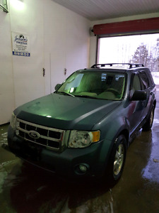 2010 ford escape XLT,  TRADES WELCOME!