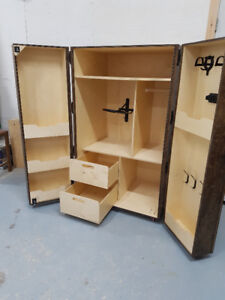 CUSTOM EQUINE LOCKERS