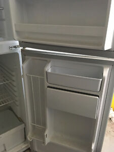 Apartment sized Stove, Fridge and Microwave (White)