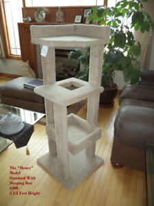 Indoor /Outdoor Tree House & Scratching Posts - Made Strong !