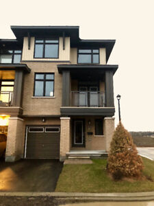 *FOR RENT* brand new 3 level end unit townhome