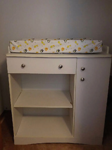 Baby change table and Bassinet for sale