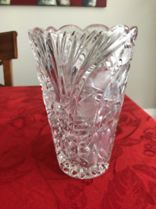"""Classic crystal vase - scalloped, Waterford pinwheel, 8.5"""" tall"""
