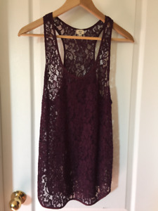 ARITZIA WILFRED - MADELEINE TANK - SIZE SMALL - WINE COLOR