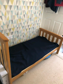 Cot and cot bed