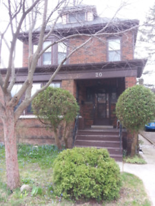 BEAUTIFUL WESTDALE HOUSE FOR RENT