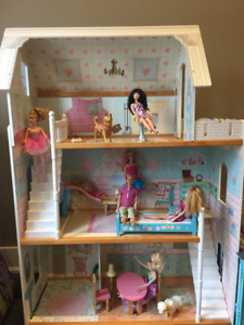 4d4771cb569 Doll house for Barbie and accessories