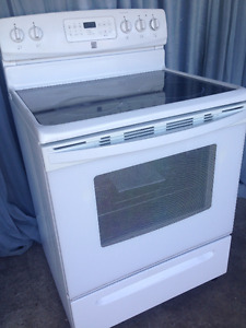 "FREE Delivery 30"" Glass top  Stove , condition   like new"