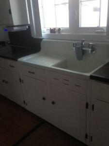 1945 Vintage Kitchen Sink