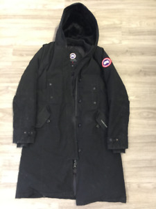 AUTHENTIC Canada Goose Kensington Parka - Womens M (USED)