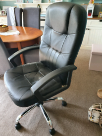Black office chair - FREE TO COLLECTOR