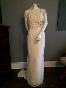 Pronovias NEW Unworn Size 10 wedding dress Gown