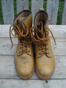 Very Good Condition: Men's Steel Toe Work Boots, Size 8