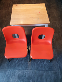 Kids' dining table and 2 chairs