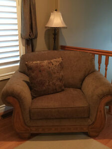 NEW Oversized Arm Chair/Lounger