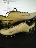 """WHITE NIKE soccer shoes """"cleats"""""""