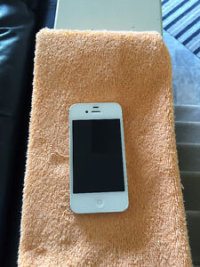 iPhone 4S Brand New condition  (8 Gig)