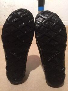 Kids Merrell Slip-On Shoes Size 4 London Ontario image 4