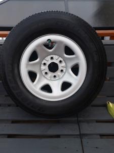 4 pneus avec mag p255/70/R17