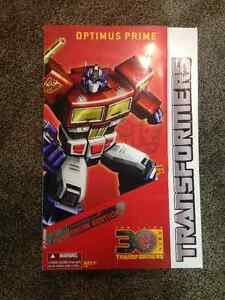 Transformers Year of the Horse Masterpiece Optimus Prime